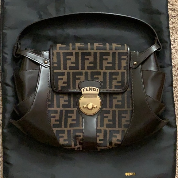 Vintage Fendi Borsa Tuc Signature Shoulder Bag